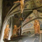 Kreuzigungsszene am Hauptaltar