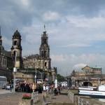 Blick auf Schloß, Kirche und Semperoper